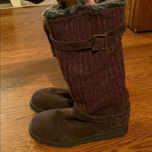 Ladies fall/winter fashion boot NEVER WORN